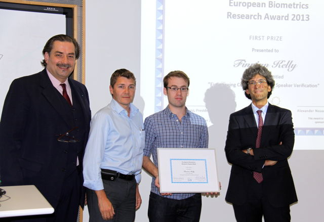 [Photo] Winner of the EAB Research Award 2013