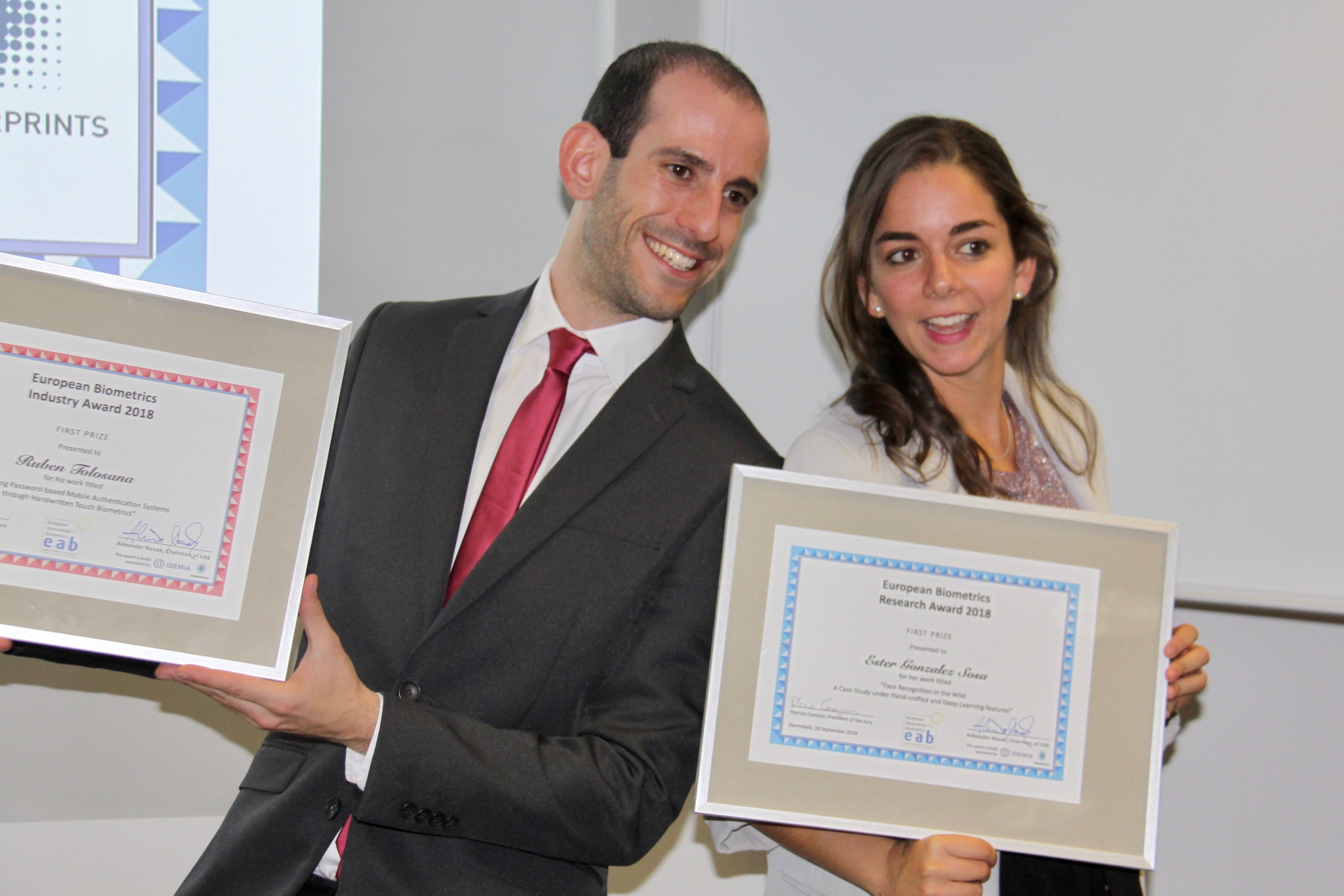 [Photo] Winner of the EAB Industry Award 2018, Ruben Tolosana, together with the winner of the EAB Research Award 2018, Ester Gonzalez