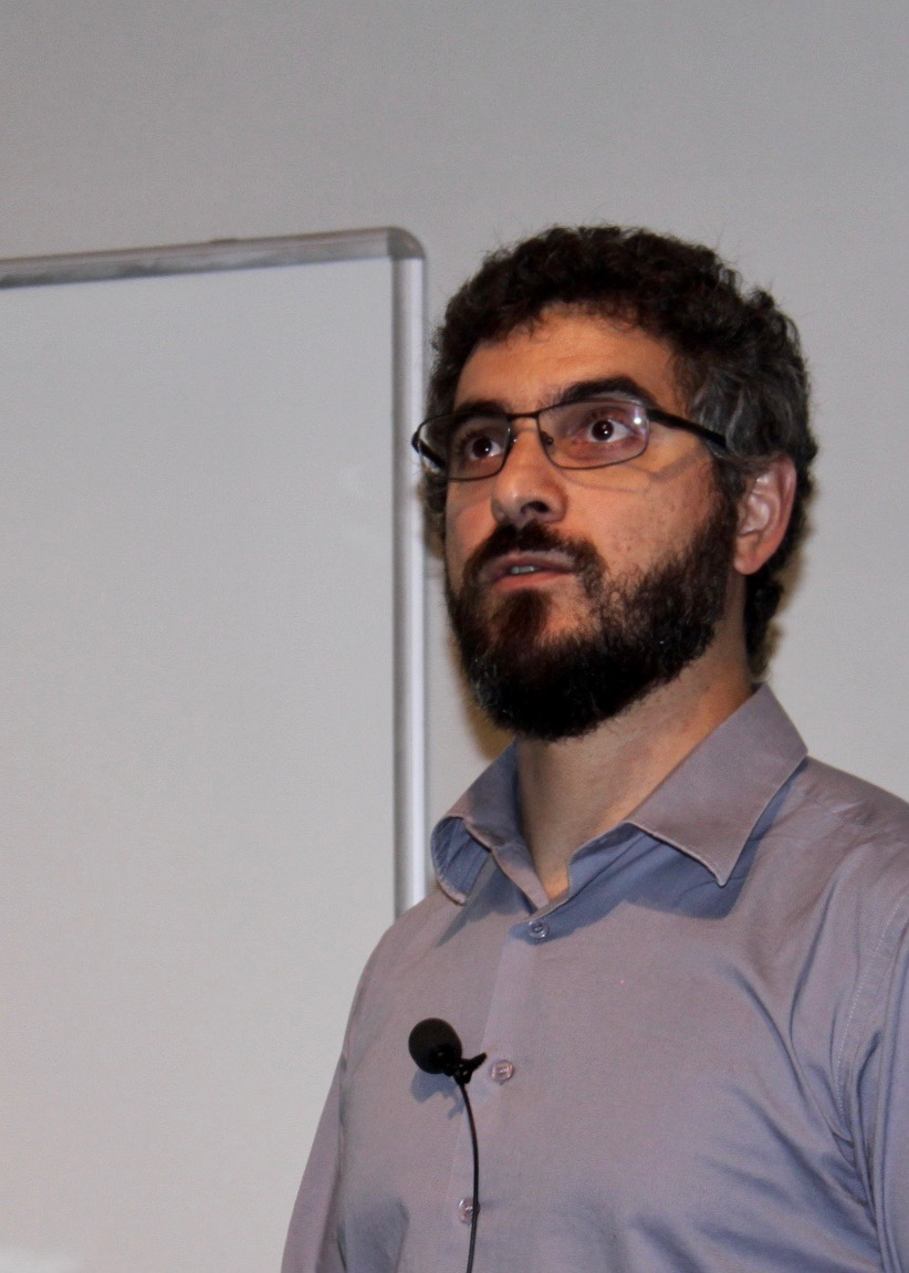 [Photo] Winner of the EAB Research Award 2019: Tiago de Freitas Pereira